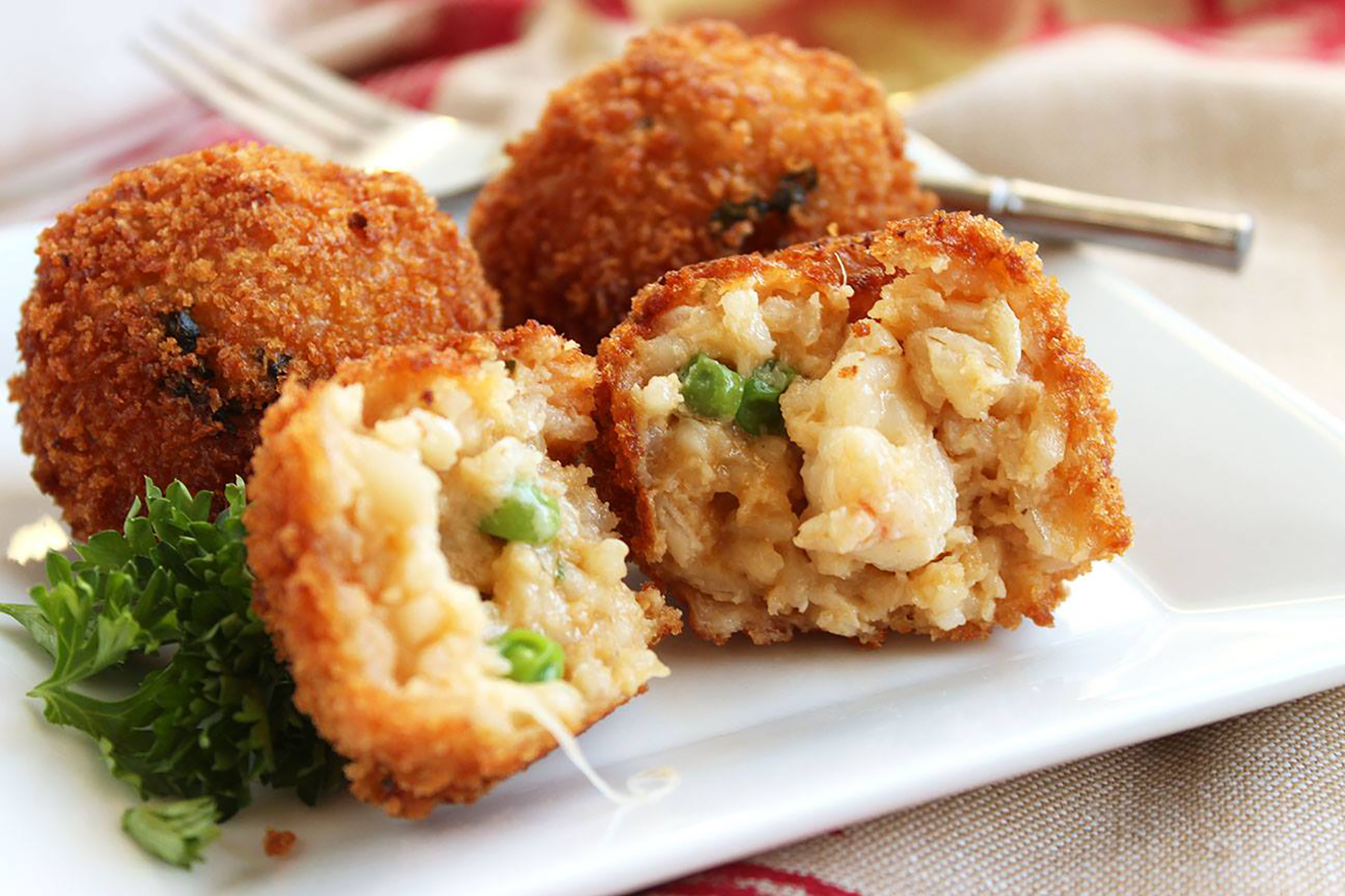 http://thesuburbansoapbox.com/2014/12/30/easy-lobster-arancini/