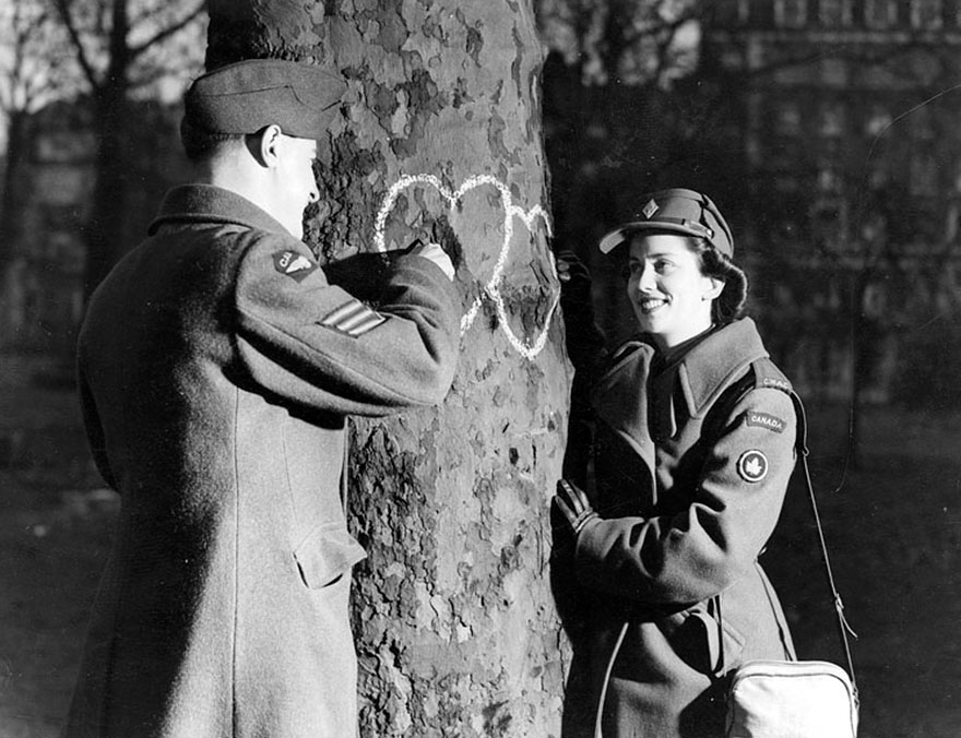 old-photos-vintage-war-couples-love-romance-8
